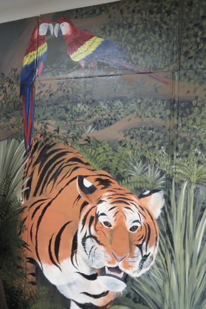 Macaws and Tiger